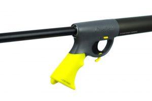 Inflador colocado en fusil para su correspondiente carga.